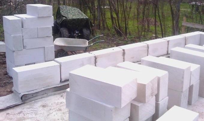 Як зробити фундамент з блоків своїми руками?