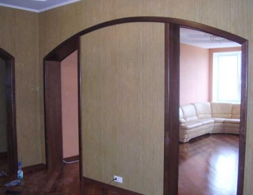 Стильні міжкімнатні арки на фото.