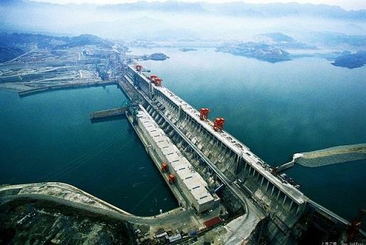 Гідроелектростанція «Три урочища» у Китаї