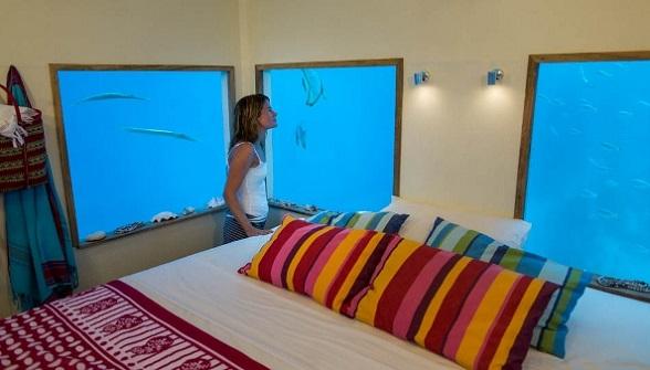 Будівництво плаваючого готелю в Африці