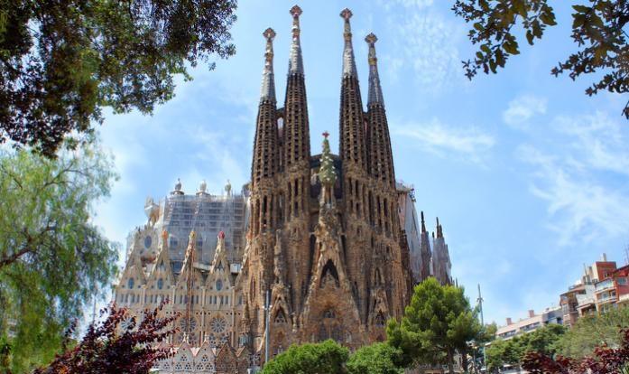 Антоніо Гауді та його шедевр архітектури