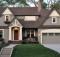 Поєднання кольорів фасаду і даху приватного будинку