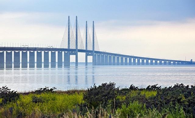 Ересуннській міст між Данією і Швецією