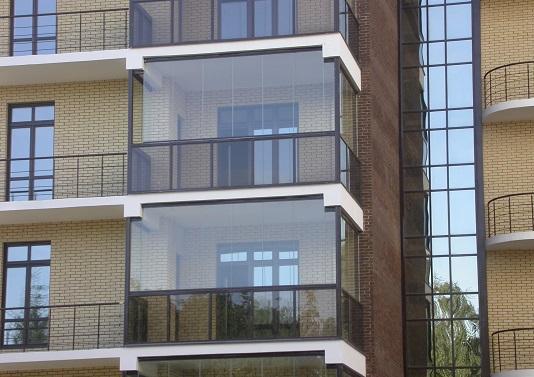 Французське скління балкону.