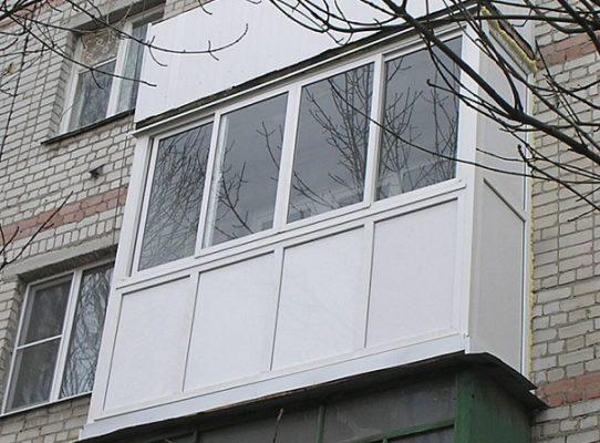 Тепле скління балкону.