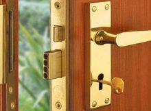 Установка замка на двері своїми руками