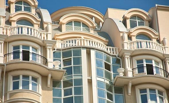 Вигляд реконструкції фасаду за допомогою склофібробетону.