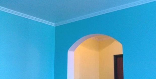 Як пофарбувати стелю водоемульсійною фарбою.