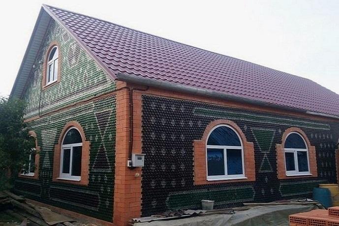Будинок із пляшок, чи можливо побудувати?